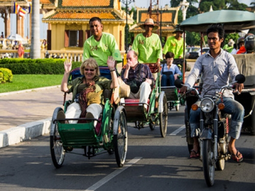 Phnom Penh City Tour & History by Cyclo & Tu Tuk